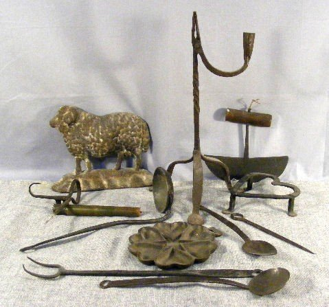18P: Lot of primitive iron, ram doorstop, heart food mo