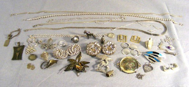 150H: Lot of misc. sterling silver earrings, chains, pi