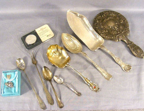 123J: Sterling lot. Misc. pieces, hand mirror, 1oz silv