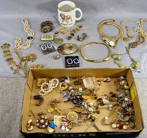 180O: Jewelry, costume, Mack Truck bulldog items, neckl