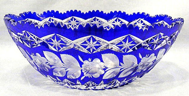 2E: Cobalt cut to clear cut glass bowl, flower & leaf d