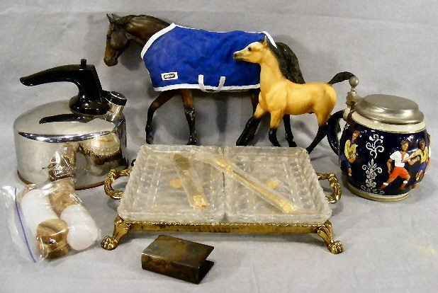 9E: Misc. lot including 2 Breyer horses, Marzi & Remy s