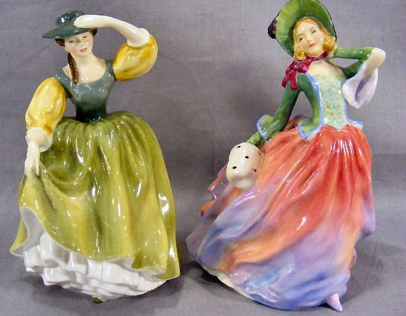 "14A: Royal Doulton figurines ""Autumn Breezes"" HN 1911 a"