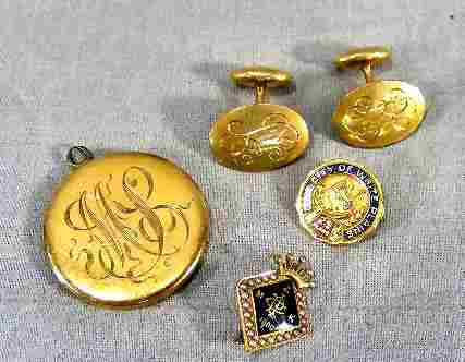 62P: Gold jewelry. Victorian locket (tests as 14k), cuf