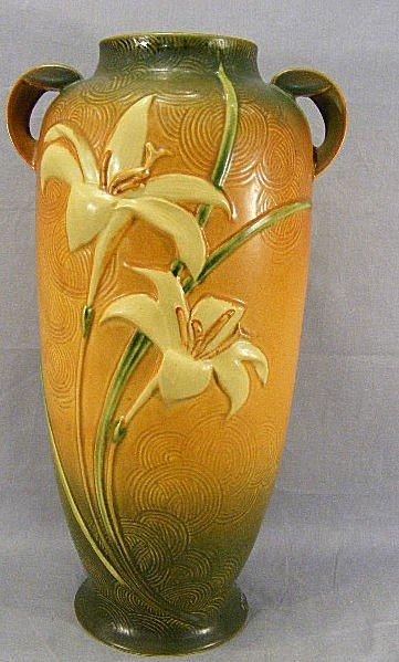"""21A: Tall Roseville Zephyr Lily vase, 142-18, 18.75"""" hi"""