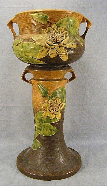 22A: Roseville Water Lily jardinière & pedestal. Bowl h
