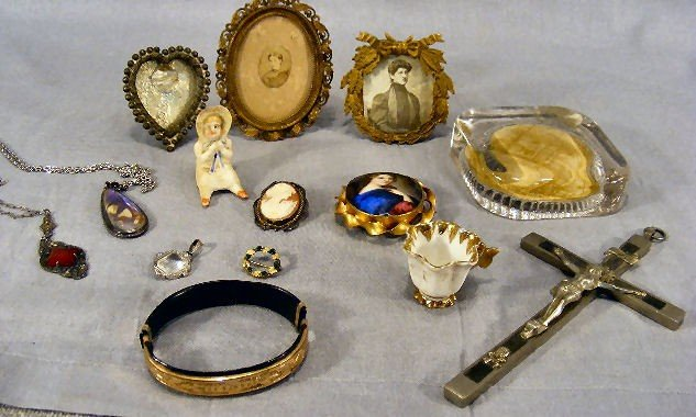 40C: Misc. lot including 3 small Victorian frames, two