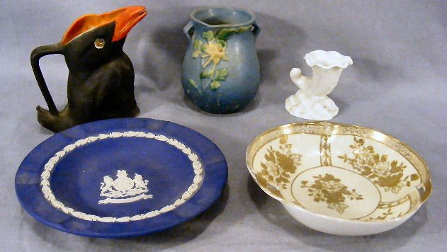 "13F: Lot including Royal Bayreuth crow creamer 4.75"", R"