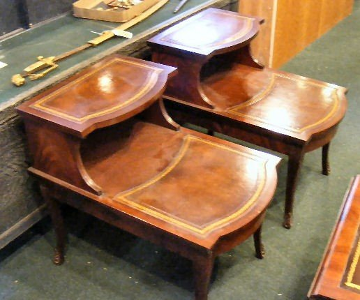 231Z: 3 piece set, 2 leather top end tables & leather t - 3
