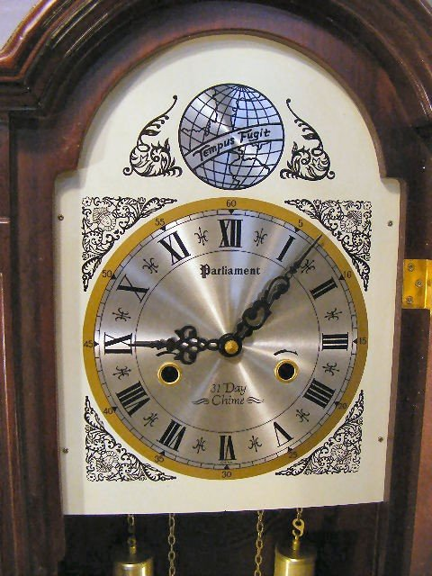 """236D: Parliament 31 Day Chime wall clock. 27"""" tall.  - 2"""