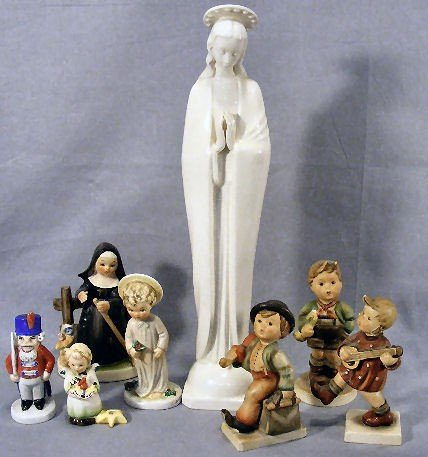 "3G: Lot including 13"" Hummel Madonna, 3 Goebel figurine"