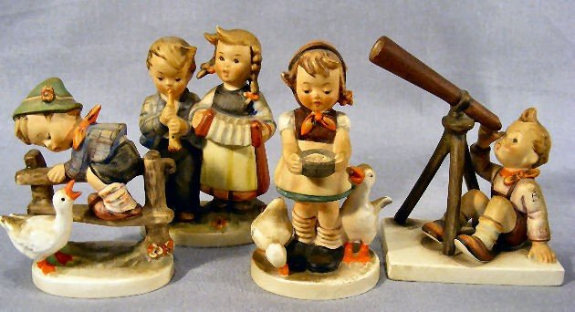 5G: 4 Hummel figurines, 195 2/0, Full Bee 218 2/0, Full
