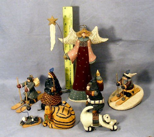 12G: Lot of  8 Williraye Studio Christmas figurines