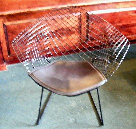 67H: Knoll black diamond (wire) chair w/ Knoll cushion,