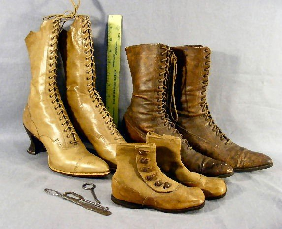 21P: Three pair Victorian era shoes, boots and button h