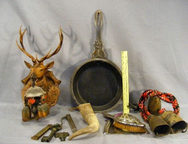 258T: Lot of misc. items, cow bells, door chime with ca