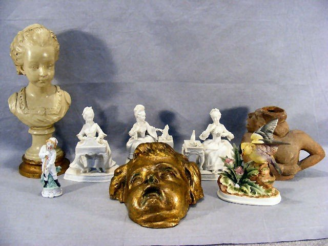 11V: Misc. lot of Orlik figurines, plaster mask, plaste