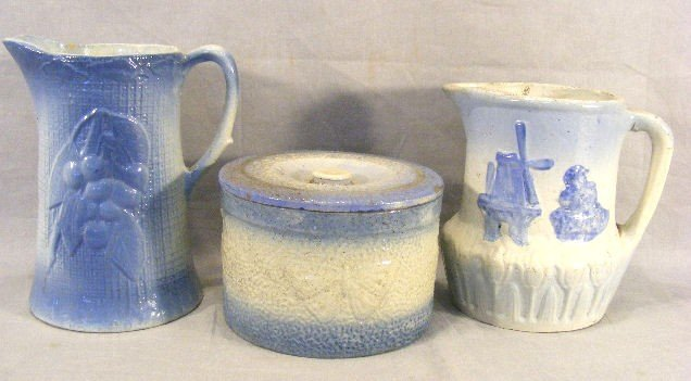 13P: Three pieces blue & white stoneware, butterfly but