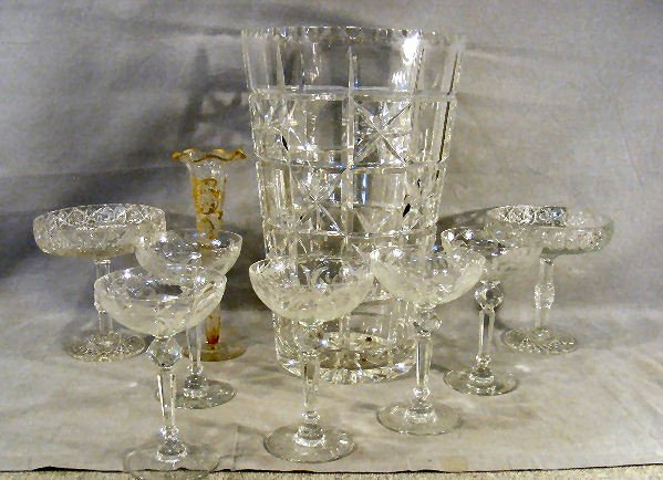 """4J: Lot of clear glass including 5 etched 6.25"""" wines ("""