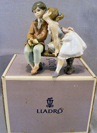 16Q: Lladro figurine #7635 first quality mint in box