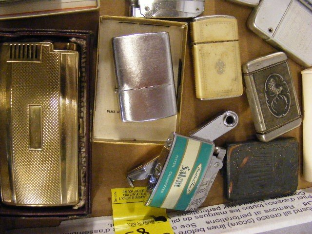 83A: Lighters, pipes, Lucky Strike tin, Zippos, Ronson, - 5