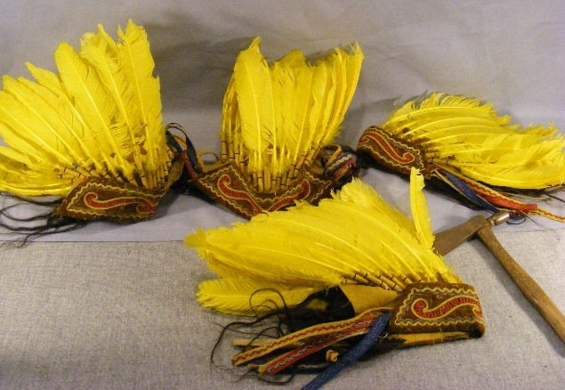 12D: Lot of 4 costume American Indian style headdresses