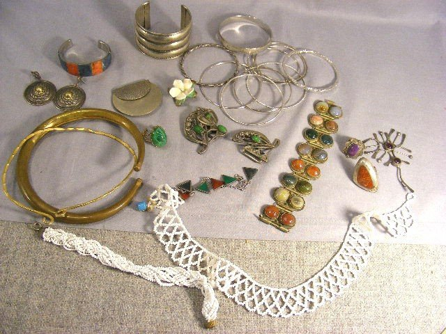 145M: Costume jewelry. Agate bracelet, silver rings & p