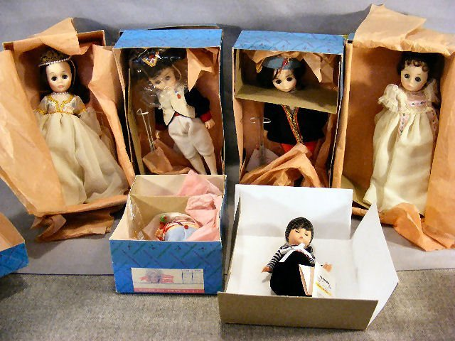 18M: Lot of six Madame Alexander dolls, Gondola Wendy,