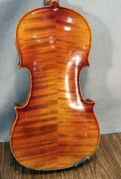 "23L: Estate violin & bow, no label, 22"" long - 4"