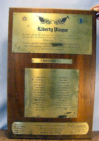 24L: Bicentennial plaque, engraved on brass mounted on
