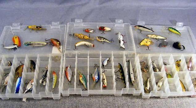 51B: Lot of 46 estate fishing lures, varied ages