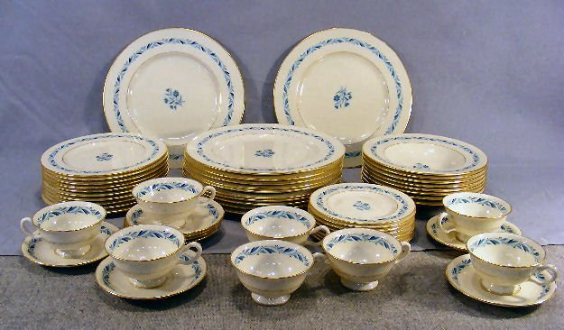 "62D: Set of Lenox Blueridge china including 12 - 10.5"""