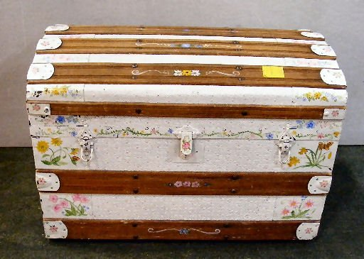 195X: Vintage dome top trunk, painted