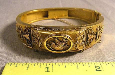 205F: 14K gold Victorian bracelet, Etruscan beading, fi