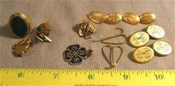 209F Gold lot including 14K monogrammed cufflinks fra