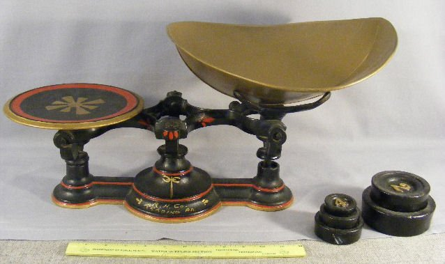 3L: Antique iron balance scale, repainted