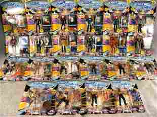 22pcs. Star Trek Next Generation figures on cards,
