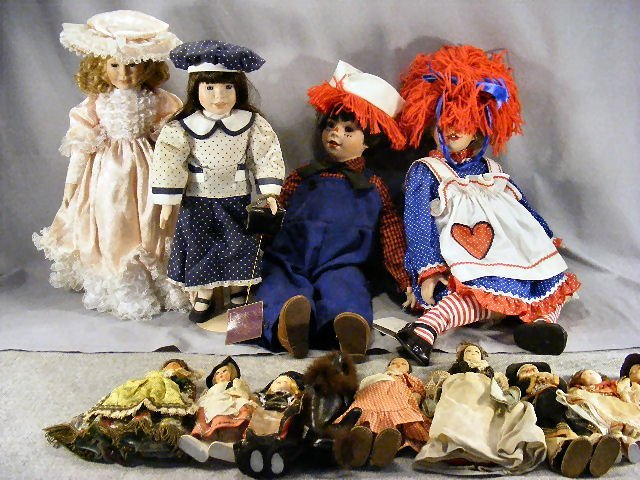 18V: Doll lot. Danbury Mint Raggedy Ann & Andy by Kelly