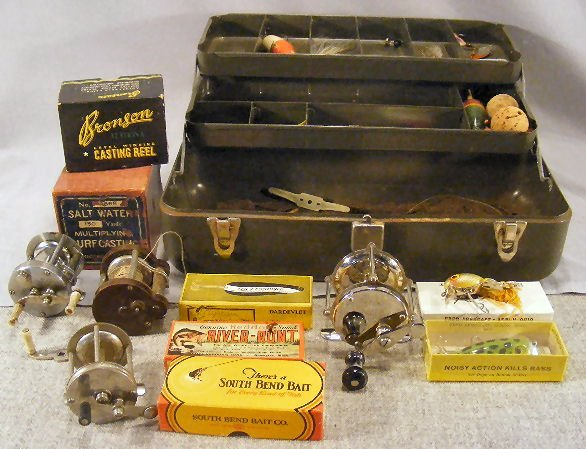 20B: Fishing tackle, reels, lures & tackle box. Empty l