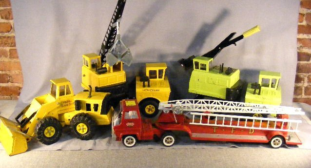11E: Tonka trucks, 4pcs. 1970's 3930 Shovel, Loader, Cr