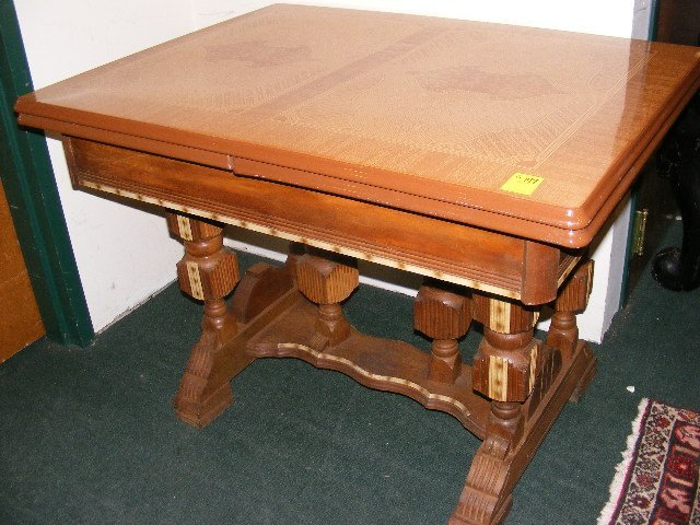 201W: 1930's porcelain top table with pull out leaf and