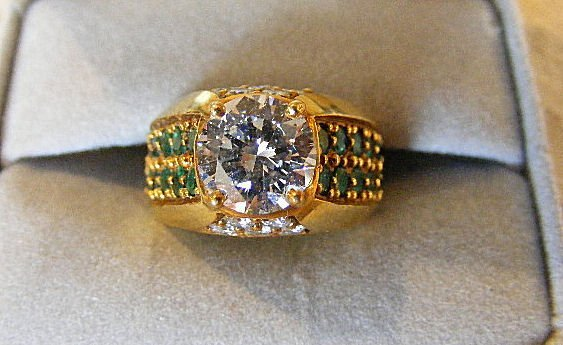 167A: 2.52 Carat diamond ring, (VVS1 clarity) 18k gold