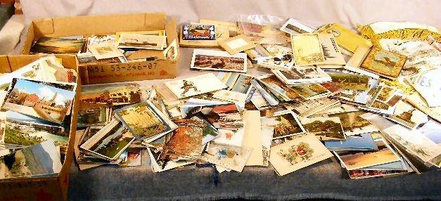 3F: Large lot of postcards, souvenir fold outs, etc. re