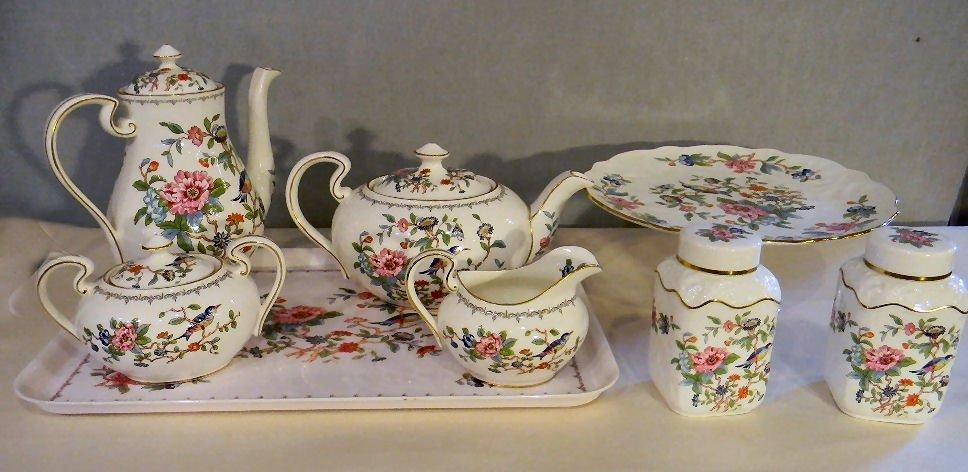 83K: Aynsley Pembroke bone china teapot, coffee pot, cr