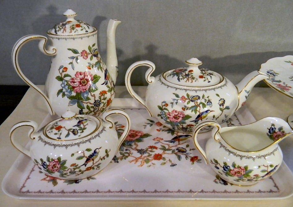 83K: Aynsley Pembroke bone china teapot, coffee pot, cr - 2