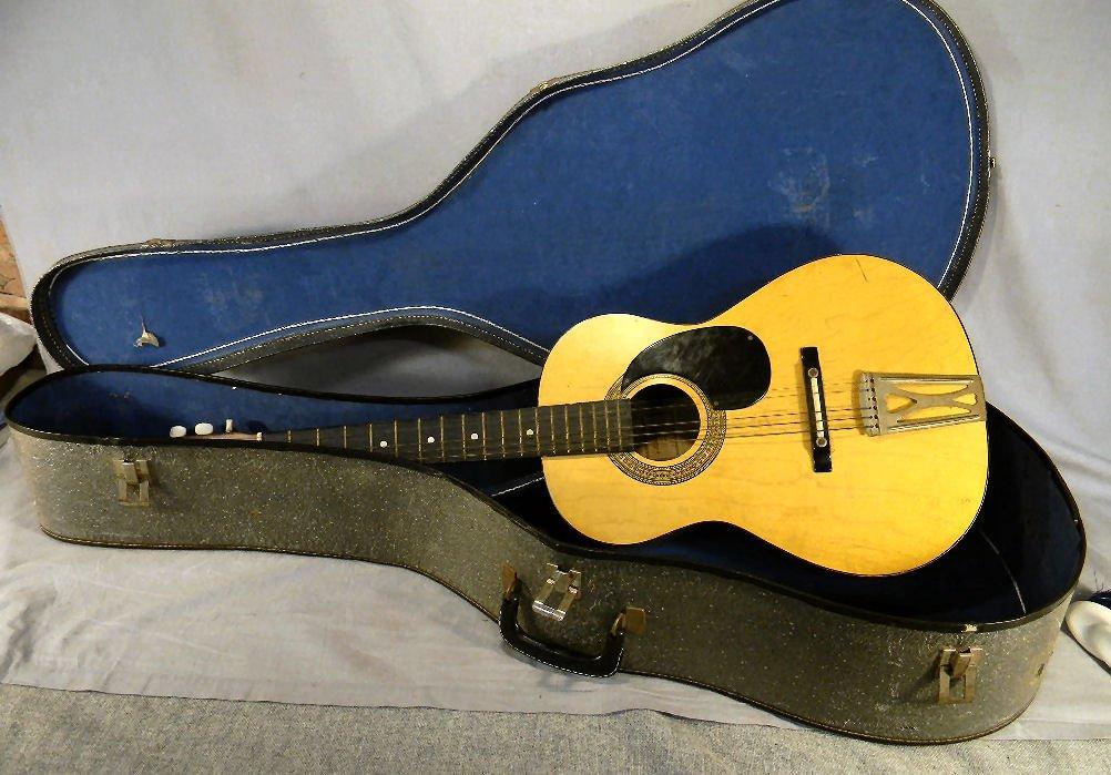 265B: Acoustic guitar, made in Korea, model G-100, one