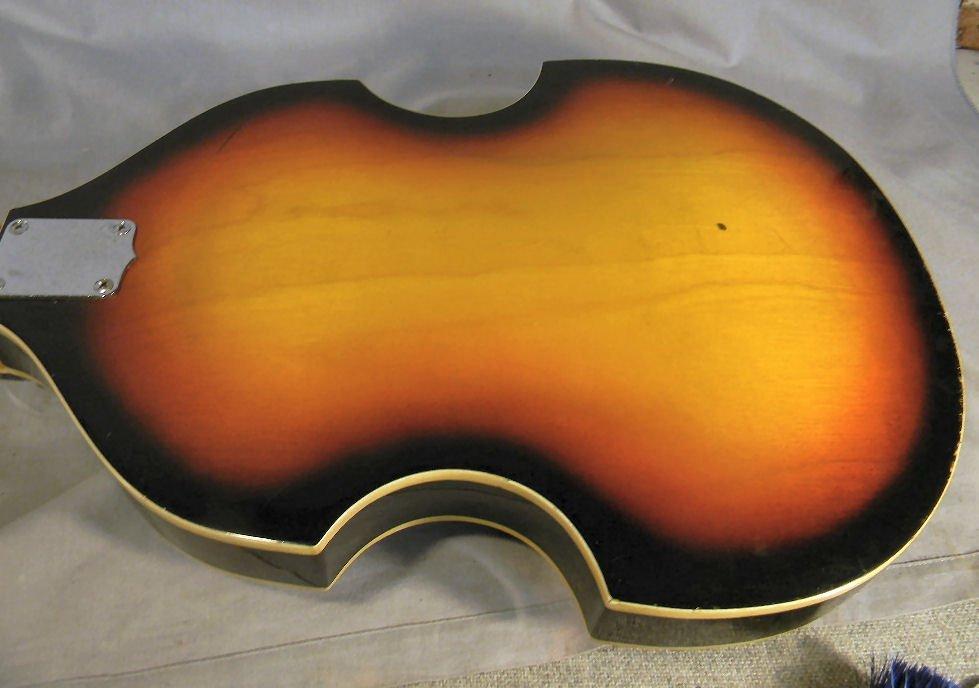271B: Estate Royal Artist Bruno electric bass guitar, s - 6