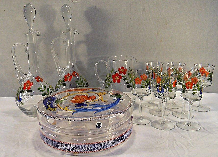 Lot of enameled glassware, covered bowl with Vetri Cene