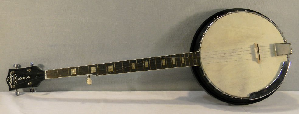 Harmony five string Roy Smeck banjo, mother of pearl in