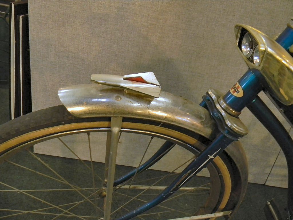 Vintage Huffy Eldorado girls bicycle - 8